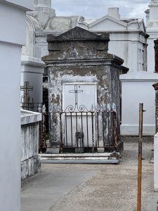 must see places in new orleans st. louis cemetery no. 1